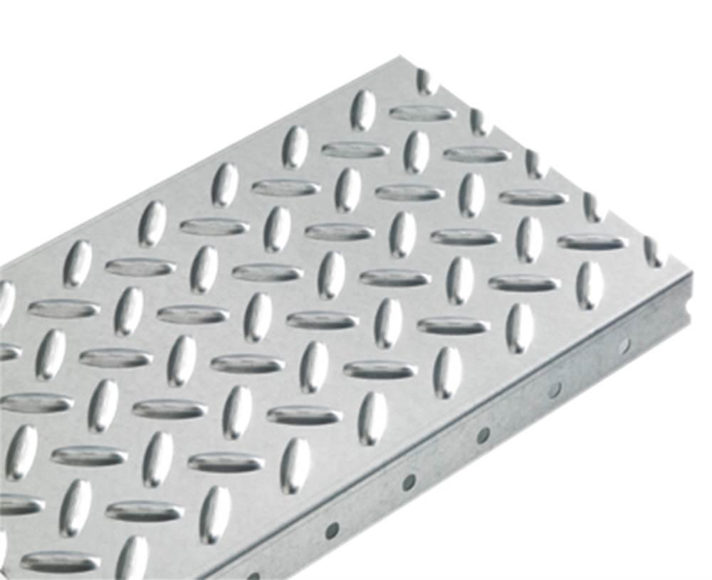 Blechprofilstufe | Typ G | Maße: 1000 x 270-300 mm | S235JR, im Vollbad feuerverzinkt